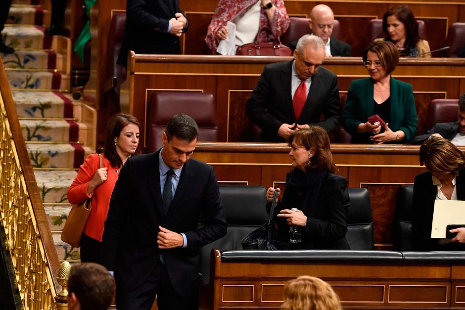 Schweigend verließ Pedro Sánchez nach der Abstimmung den Parlamentssaal.