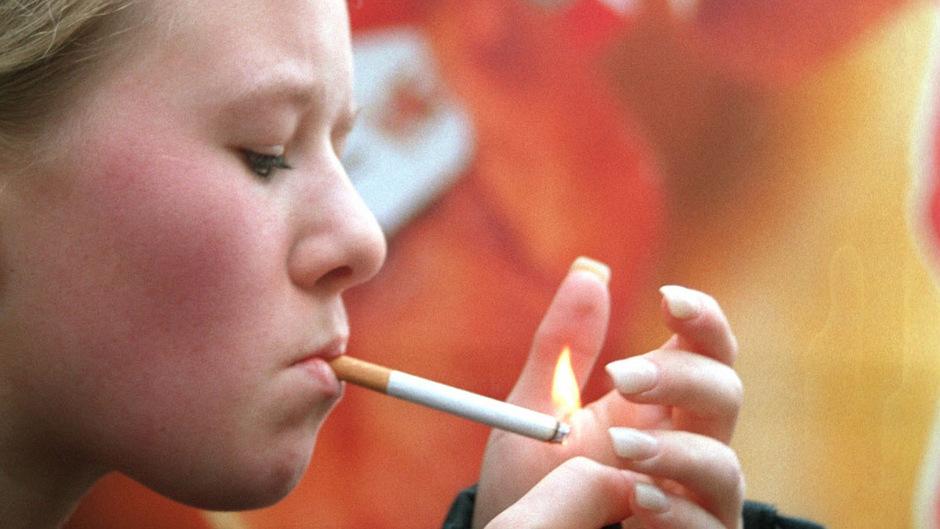 29 Prozent aller 15-jährigen Mädchen und jeder vierte Bursch rauchen. Damit ist Österreich ein Negativ-Rekordhalter in der EU.