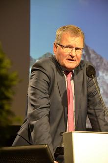 """""""Die Fakten sprechen für sich. Eine solche Vorgangsweise ist eines Nationalrats nicht würdig."""" Andreas Ermacora (Alpenvereinspräsident)"""