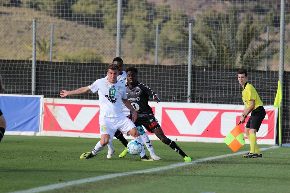 Im Kampf ums Gerät auf spanischem Boden – WSG-Dauerbrenner Ignacio Jauregui stellte sich im Test gegen Odds BK.