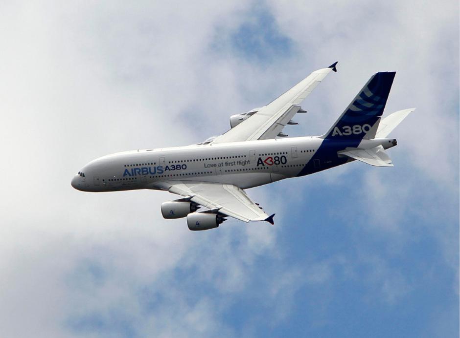 Der doppelstöckige Passagierjet A380  hat Airbus schon länger große Sorgen bereitet.