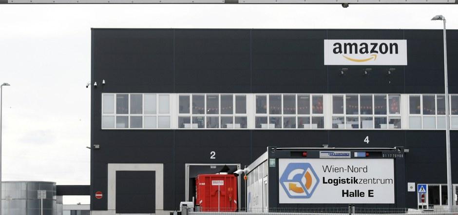 """Das """"Amazon Verteilzentrum"""" in Großebersdorf in Niederösterreich."""