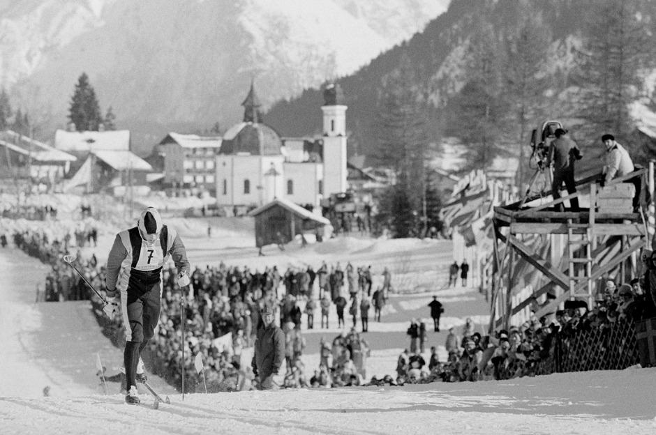 Das 30-km-Langlaufrennen bei den Olympischen Winterspielen 1976 in Tirol (im Bild William Koch/USA). Nordische Tradition auf ihrem Höhepunkt.