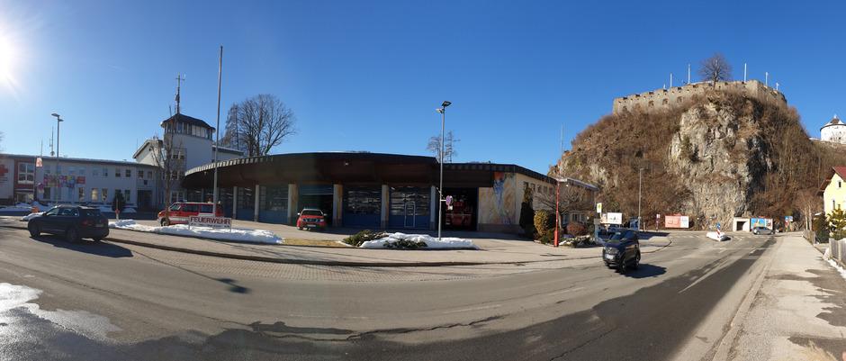 Das alte Gebäude in der Weissachstraße: Auf derm Grundstück dahinter soll der Neubau 2020 entstehen.