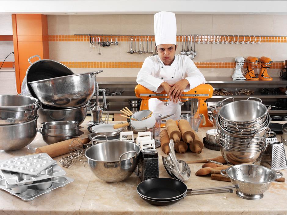Viel Arbeit, zu wenige Helfer: In vielen Großküchen Tirols muss man den Mitarbeitermangel mit kreativen Lösungen kompensieren.