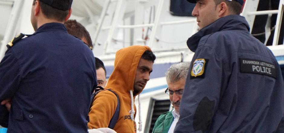 """Frontex: EU-Staaten einigten sich auf """"bis zu 10.000"""" Grenzschützer"""