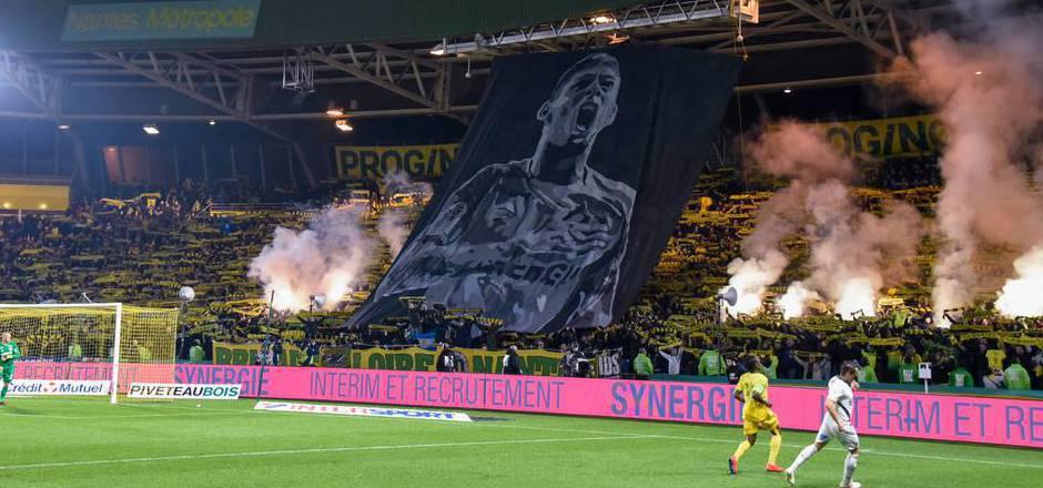 Der FC Nantes muss für die Pyrotechnik beim Sala-Gedenken Strafe zahlen.