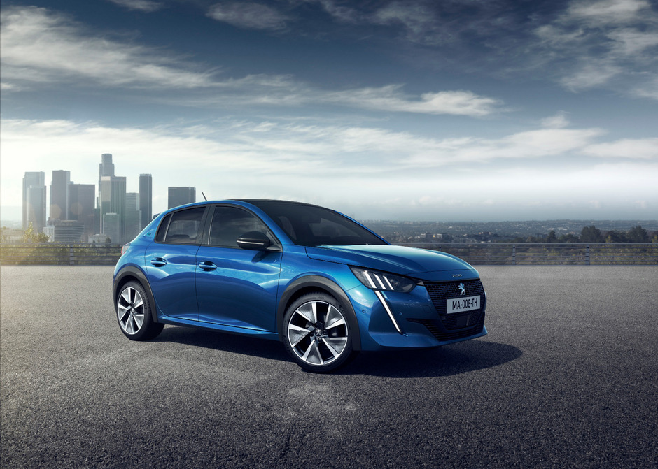 Komplett neu ist die Plattform, auf welcher der Kleinwagen von Peugeot basiert. Im Herbst ist der Marktstart, zunächst mit gewöhnlichen Verbrennungsmotoren.