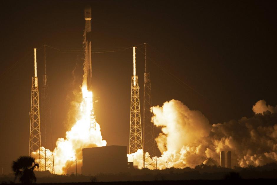 Japanische und israelische Raumsonden auf großer Mission