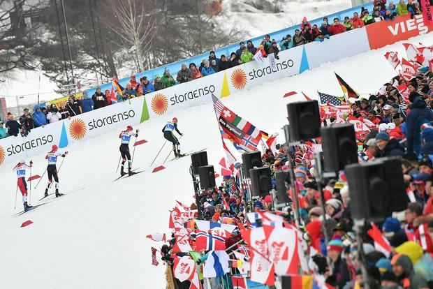 Vor großartiger Kulisse lief Eric Frenzel erneut in Seefeld zum Sieg.