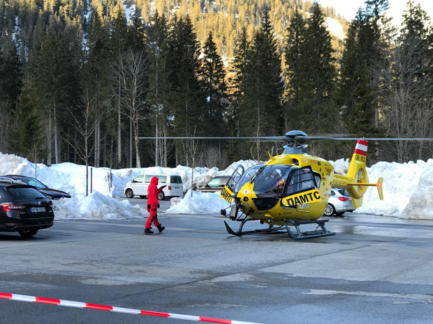 Many mountain rescues and helicopters are used.