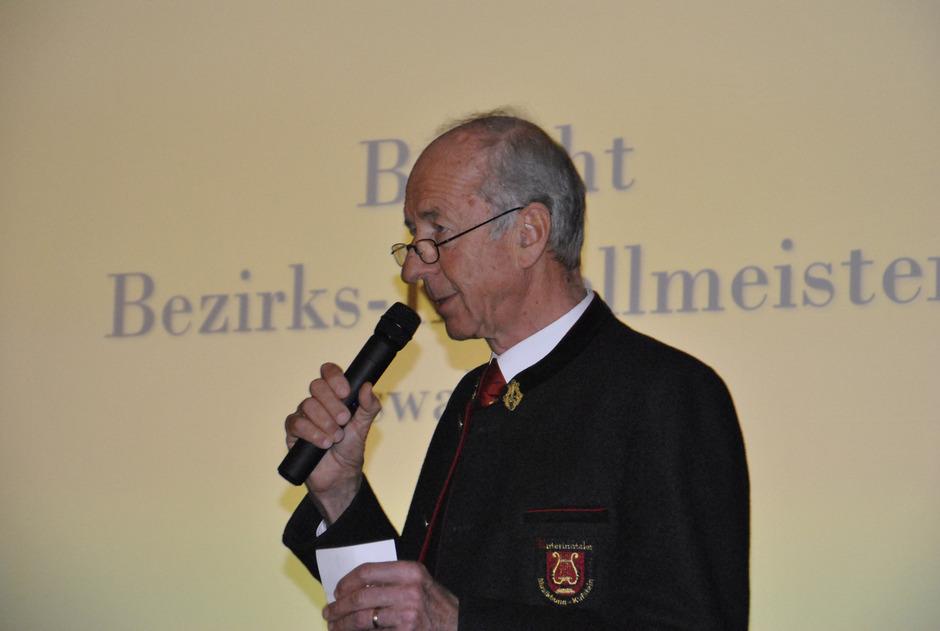 Bezirkskapellmeister Oswald Mayr erinnert Kapellmeister daran, dass sie Lösungen für den Umgang miteinander finden müssen.