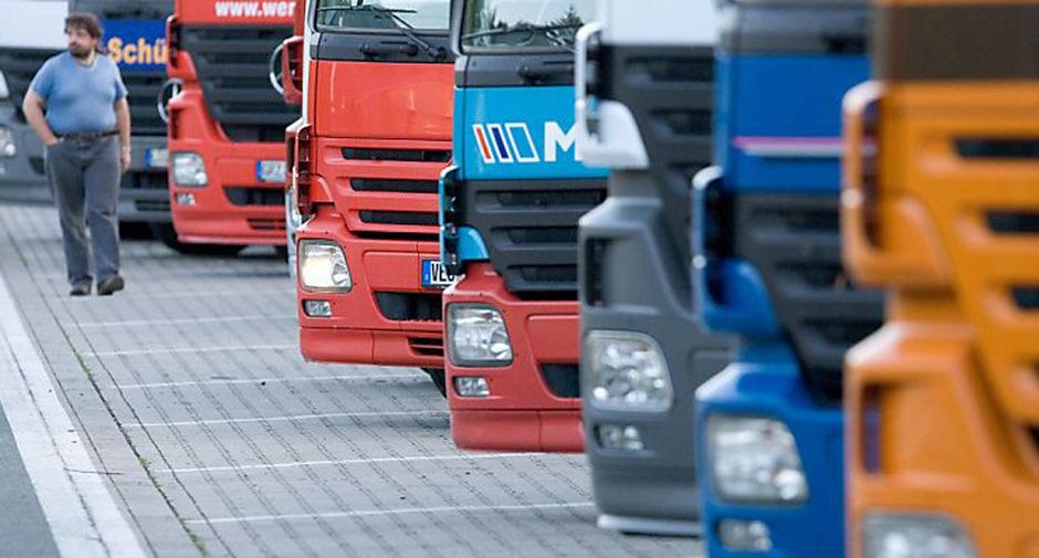 Dass die Wirtschaftskammer Tirol Einwände gegen die Euroklassen-Fahrverbote und das sektorale Lkw- sowie Nachtfahrverbot hat, schmeckt der Transitforum-Gruppe ?Xund?s Vomp? so gar nicht. (Symbolfoto)