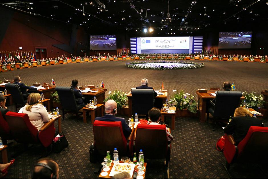 Repräsentanten von EU und Arabischer Liga trafen sich in Ägypten.