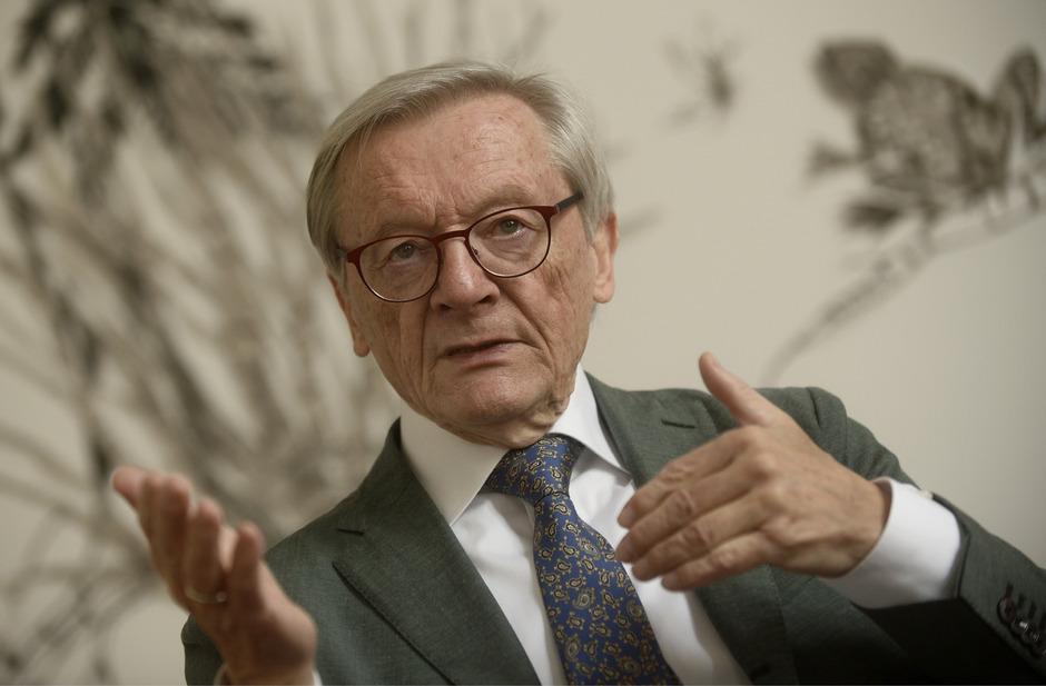 """Wie viel Türkis steckt im ehemaligen ÖVP-Parteiobmann und Bundeskanzler? """"Meine Farben waren immer Rot-Weiß-Rot"""", sagte Wolfgang Schüssel."""