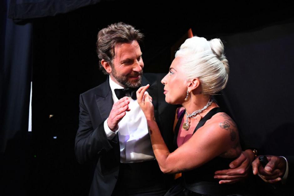 """Doch keine Affäre! Bradley Cooper und Lady Gaga haben ihre Fans """"reingelegt""""."""