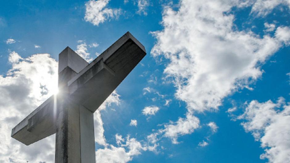 Das Kreuz mit den Feiertagen: Ein EuGH-Urteil zum Karfreitag zwang die Regierung zur Reparatur der bisherigen gesetzlichen Regelung.