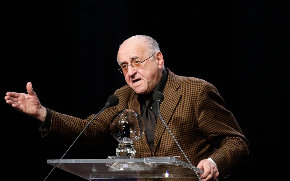 Alfred Biolek bei einer Rede in der Jahrhunderthalle in Bochum im Jahr 2010.