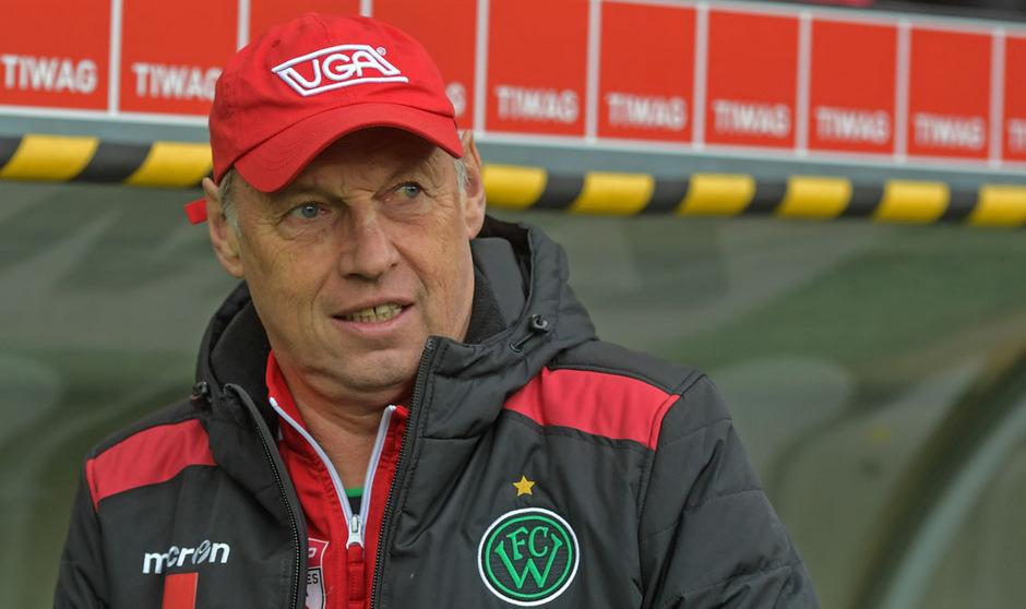 Wacker-Trainer Karl Daxbacher kennt die Mechanismen des Fußball-Geschäfts.