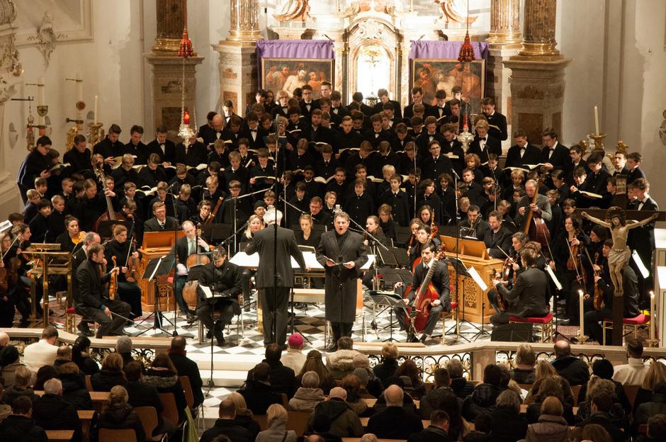 Mehrere Chöre, Musiker, Solisten: Die Matthäus-Passion verlangt ein Großaufgebot an Personal. Dieses Foto der Wiltener Sängerknaben entstand bei der Aufführung im Jahr 2017.