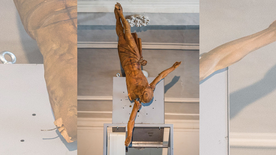 Zeitlos und doch eingebunden in den Lauf der Zeit: Christus als Metapher für den verletzten, gedemütigten, missbrauchten Menschen.