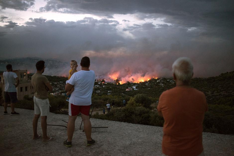 In der Nähe von Athen wütete im Sommer ein Waldbrand, der 100 Menschen das Leben kostete.