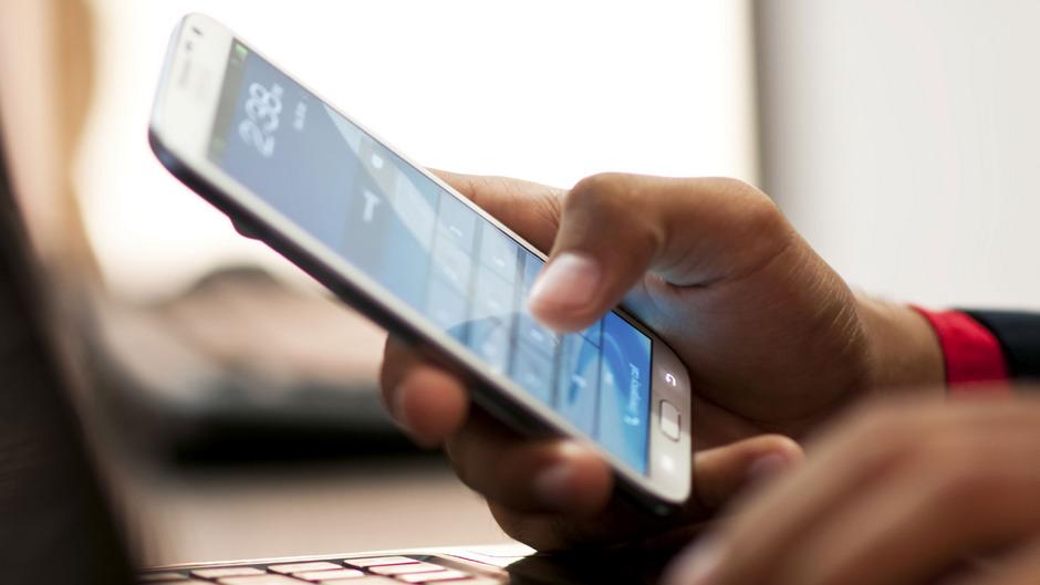 Die nächste Mobilfunkgeneration 5G  verspricht mehr Bandbreite und eine viel kürzere Latenzzeit (Verzögerung zwischen Sender und Empfänger).