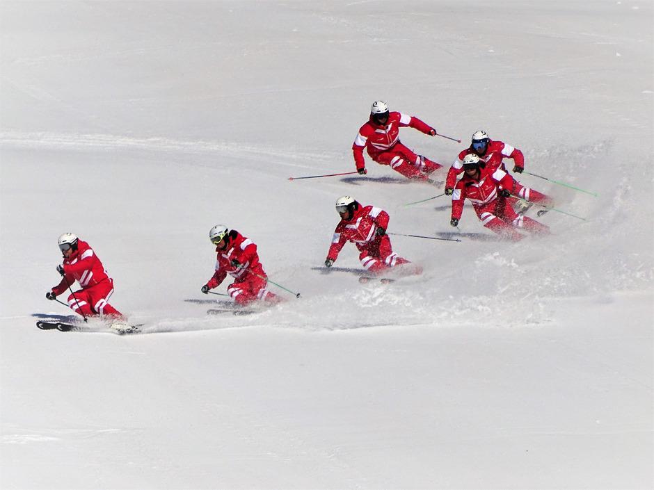 Die Ski-Demos (im Bild das österr. Demo-Team) sind ein Teil des Interski-Kongresses. Kitzbühel bewirbt sich für die Austragung, der Zuschlag soll am 21. März erfolgen.
