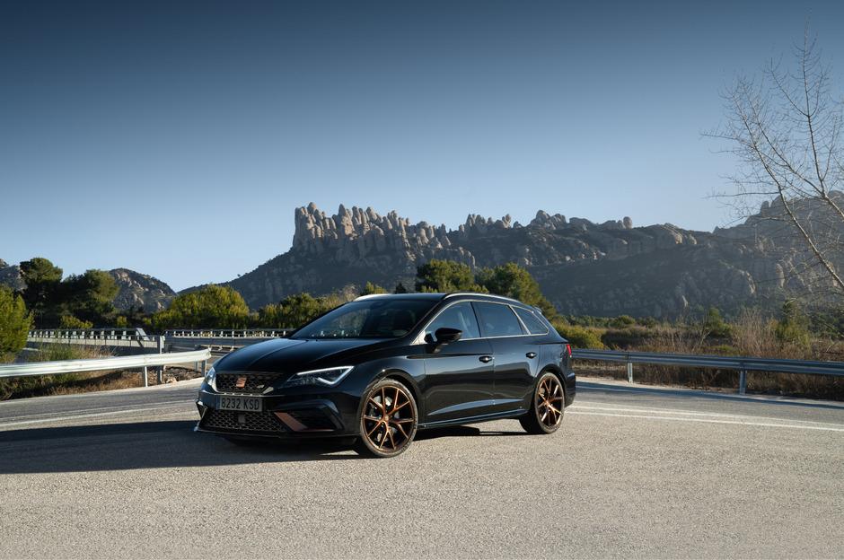 Der Leon Cupra R ST ist 300 PS stark und beschleunigt in 4,9 Sekunden von null auf 100 km/h.