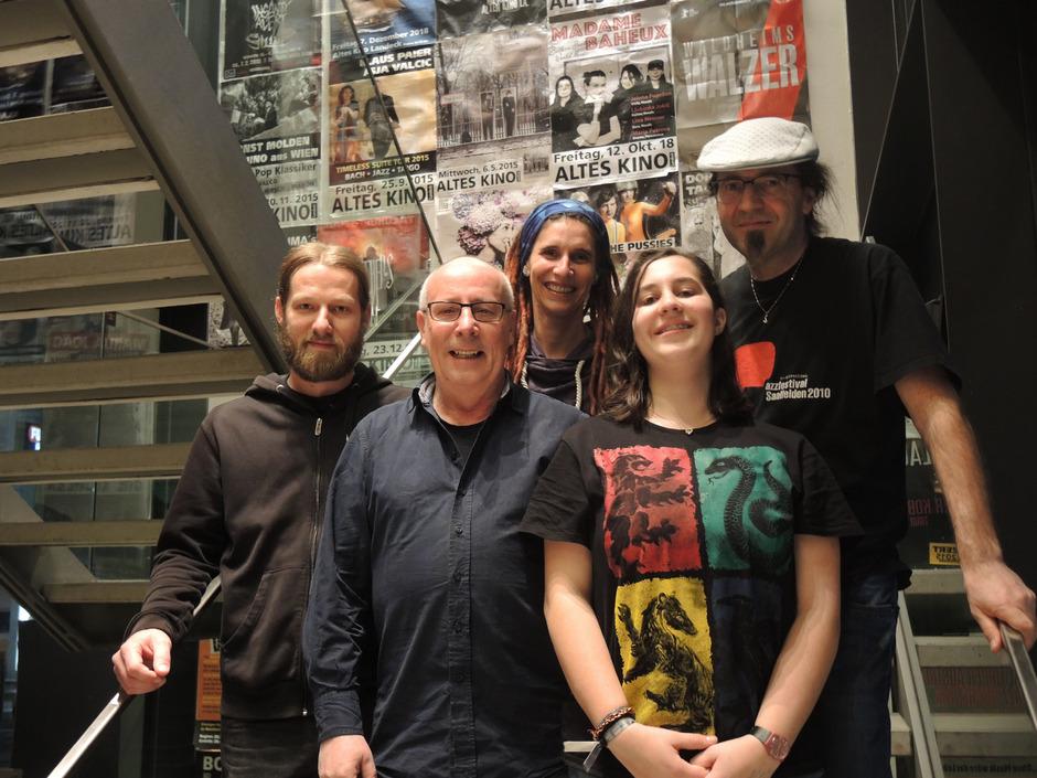 Das engagierte Team im Alten Kino Landeck: Mario Pfurtscheller, Martin Kafka, Tatjana Tamanini, Belinda und Mathias Schauer (v. l.).