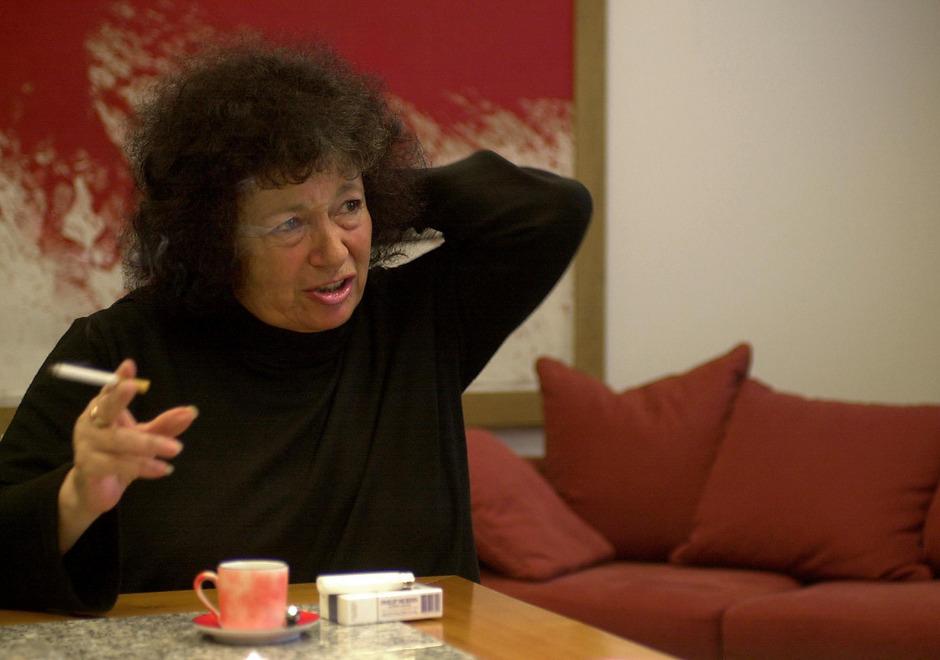 Elisabeth T. Spira im Rahmen eines Interviews.