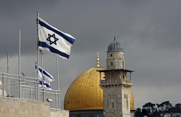 """Fasten am Feiertag: Im Judentum wird an mehreren religiösen Feiertagen gefastet, das heißt kein Essen, Trinken, Rauchen und Sex. Wichtigster Feiertag ist Jom Kippur, der """"Tag der Versöhnung"""". Auch auf Arbeit und Körperwäsche wird an diesem Tag verzichtet."""