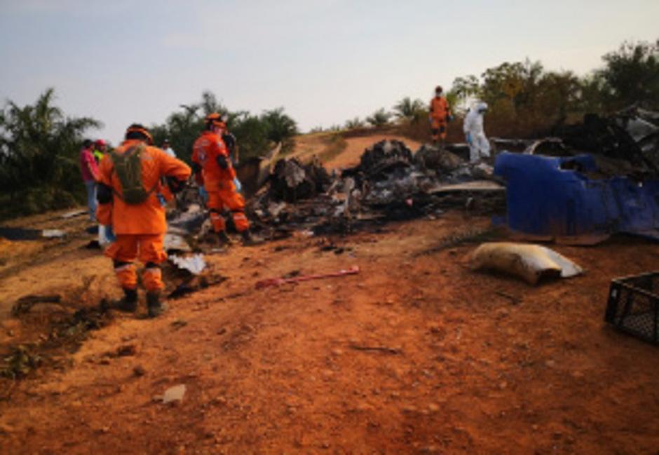 In Kolumbien stürzte am Samstag eine Maschine des Typs DC-3 ab. Alle Insassen kamen dabei ums Leben.