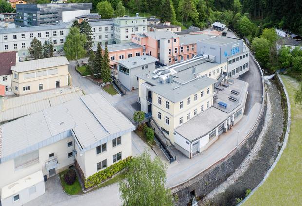 """Die boomende Werkstätte Wattens ist ebenso Teil der Vision wie die laufende Neugestaltung des Kirchplatzes oder der Park beim """"Haus am Kirchfeld""""."""
