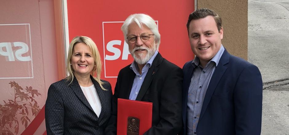 Gerhard Reheis (M.) war Mentor von MEP Karoline Graswander-Hainz (l.) und ist Vorbild für SP-Stadtparteichef Richard Aichwalder (r.).