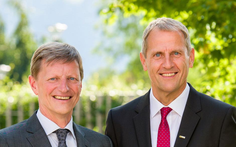 Wolfgang Hechenberger (l.) folgt Johannes Gomig am 1. April als Vorstandsvorsitzender der Raiffeisenbank Reutte nach.