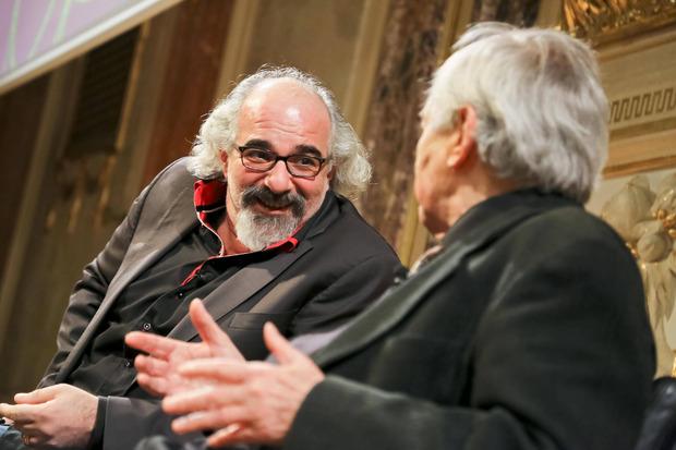 """""""Die Leute haben sich gedacht, dass der blade Perser schon lustig sein wird"""", nimmt sich Michael Niavarani selbst auf die Schaufel."""