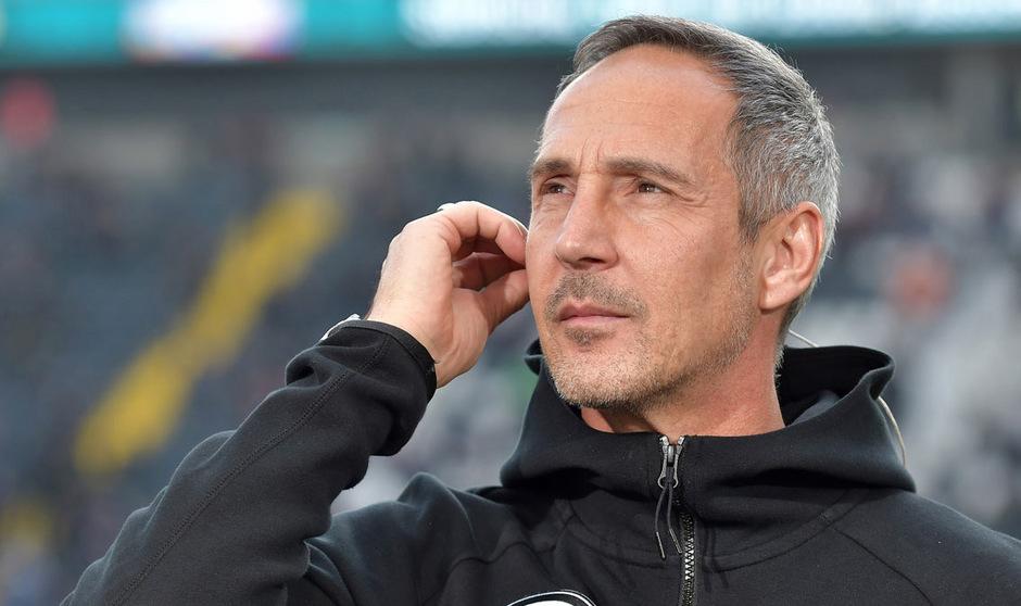Adi Hütter darf in Mailand nicht auf der Trainerbank Platz nehmen.