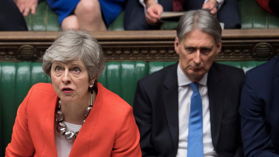 Premierministerin Theresa May während der Debatte am Dienstag im britischen Unterhaus.