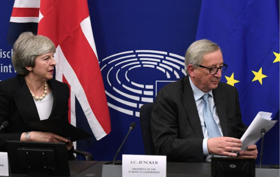 Die britische Premierministerin Theresa May und EU-Kommissionspräsident Jean-Claude Juncker: Der mühsam erarbeitete Vertrag wurde erneut abgeschmettert.