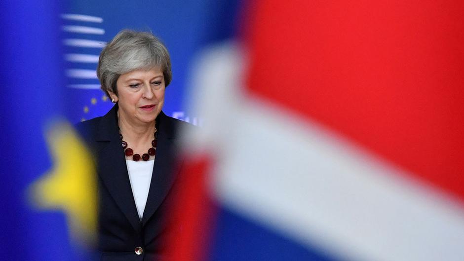 May verknüpfte die Abstimmung über die Verschiebung indirekt mit einer Entscheidung über ihr Brexit-Abkommen.