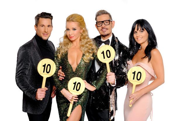 """Balázs Ekker, Karina Sarkissova, Dirk Heidemann und Nicole Hansen (von links) sind die """"Dancing Stars""""-Jury 2019."""