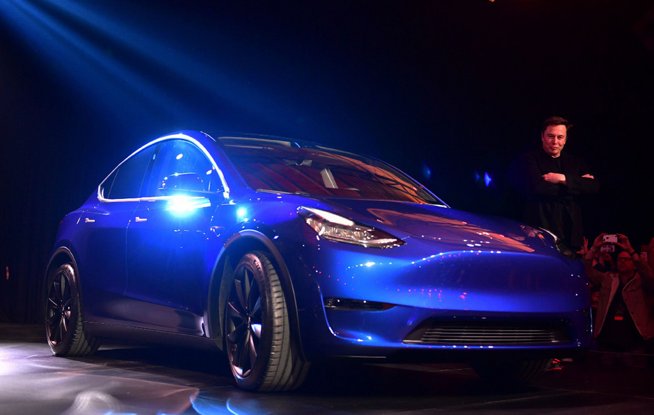 Elon Musk präsentierte das Model Y in Los Angeles feierlich.