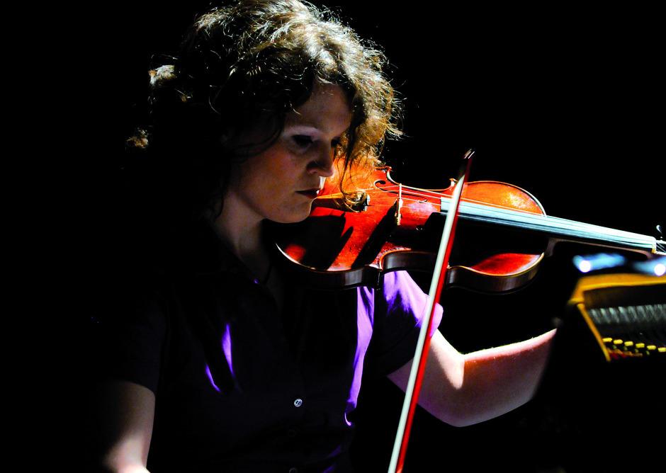 Schon nach dem ersten Satz des Konzertes konnten viele Zuhörer den Applaus für Annedore Oberborbecks Spiel nicht zurückhalten.