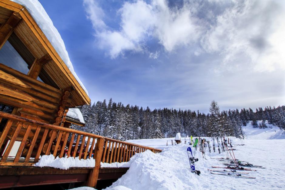 Chalets und Hotelanlagen im Rahmen von Investorenmodellen machen sich in Tirol breit.