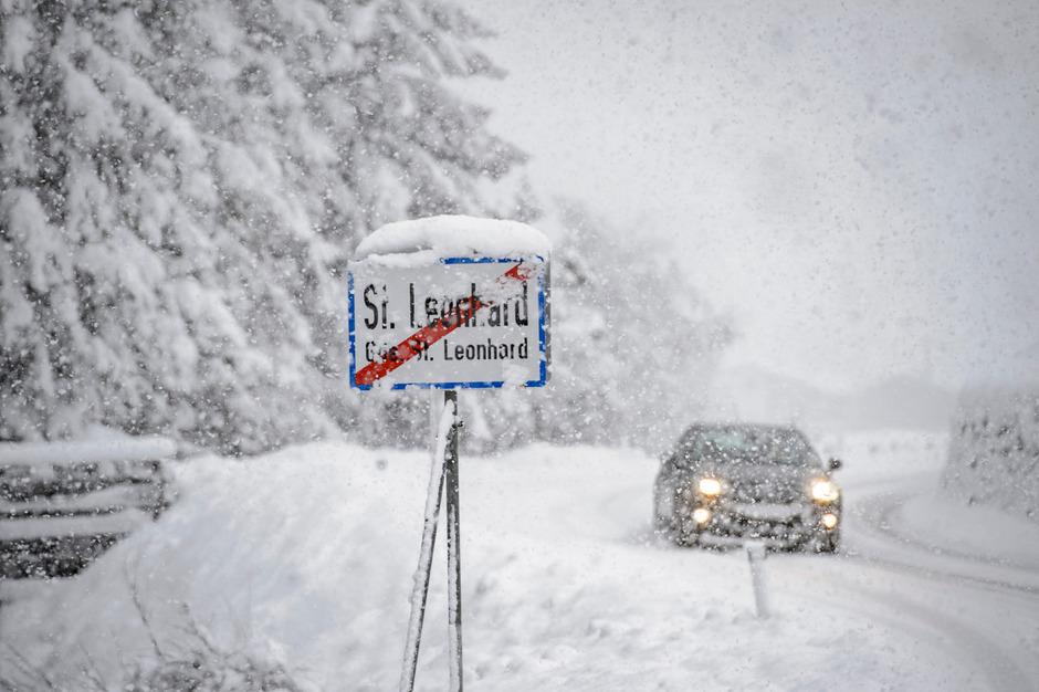 Starker Schnefall am Freitag in St. Leonhard im Pitztal.