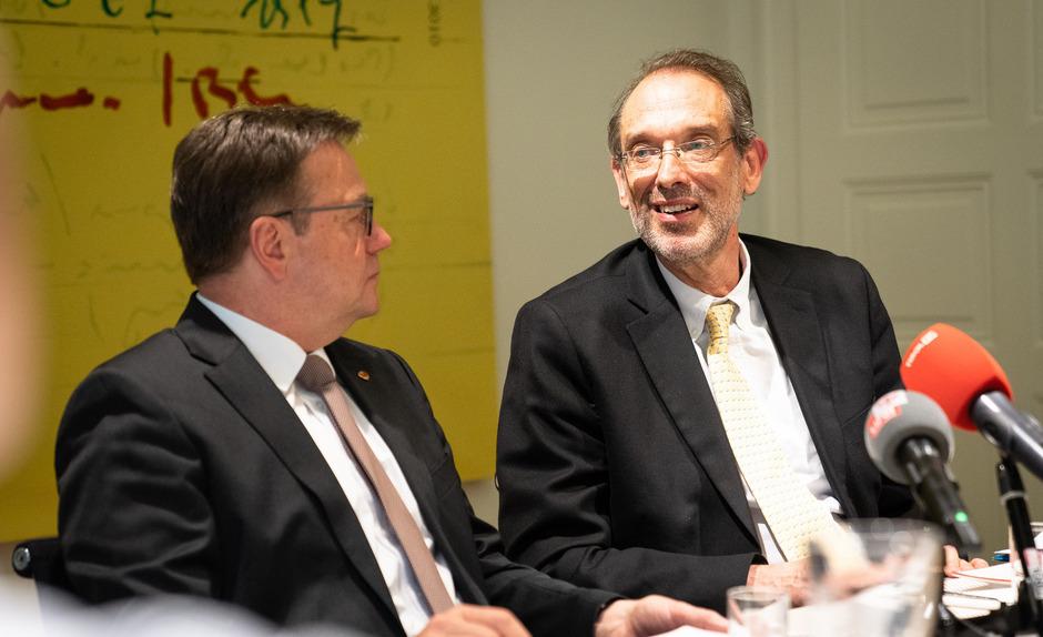 Beim Geld zählt die Parteifarbe nicht: LH Günther Platter will mit Minister Heinz Faßmann aber auf Augenhöhe und ohne Muskelspiel verhandeln.