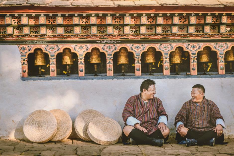 Die Menschen in Bhutan werden alle fünf Jahre von der Regierung befragt, wie glücklich und zufrieden sie sind.