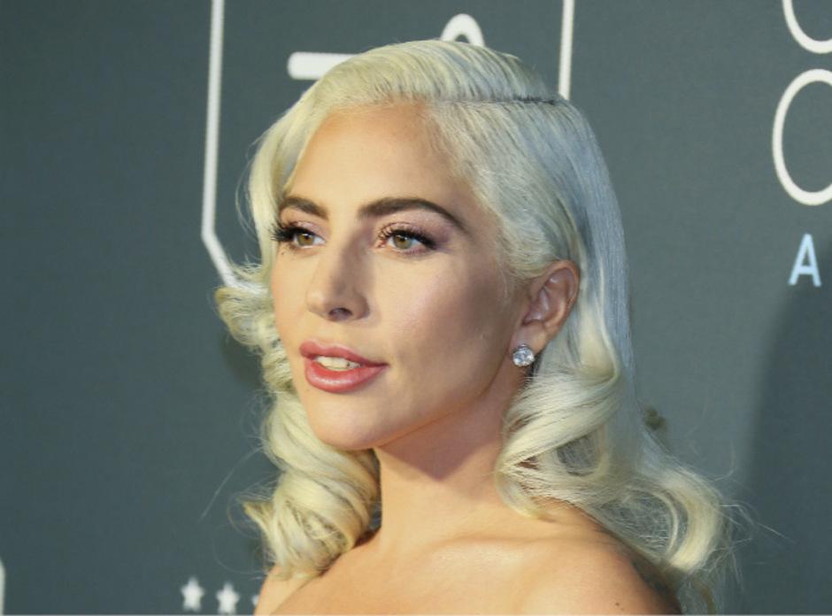 Lady Gaga überraschte mit einem Gastauftritt.