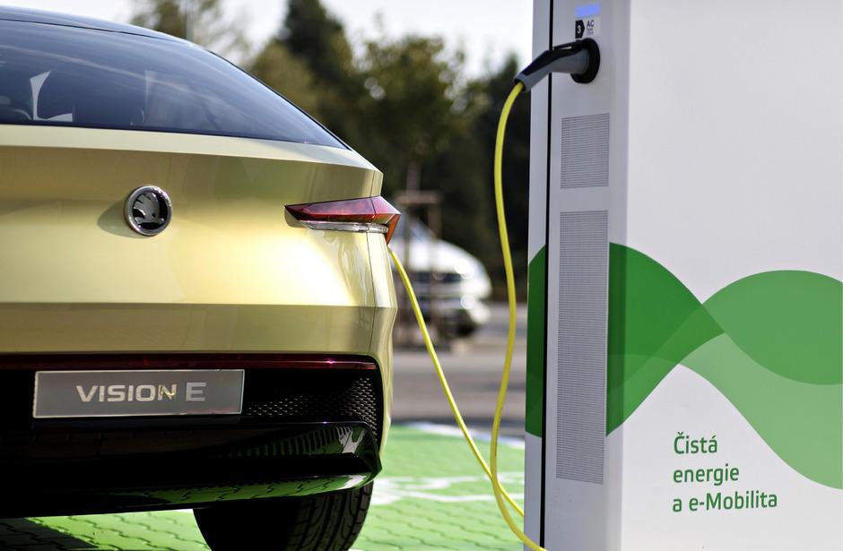 Bis Ende 2022 fließen laut Škoda zwei Milliarden Euro in E-Mobilität und neue Mobilitätsdienstleistungen.